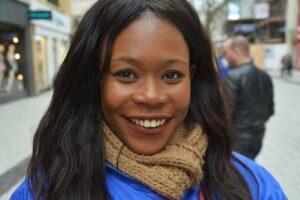 Coiffure : soin & lissage pour cheveux naturels afro